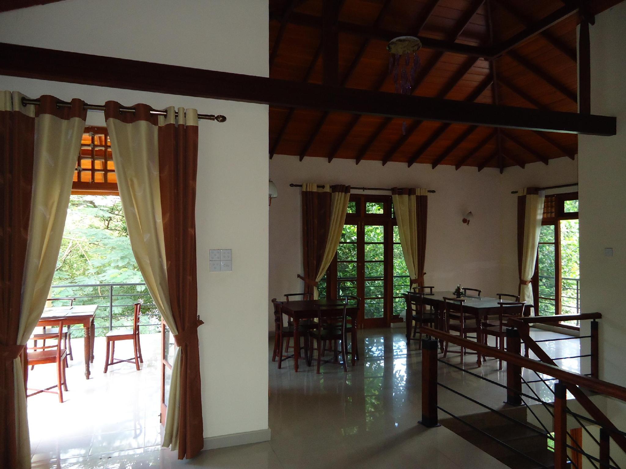 Tarana Hotel