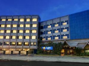 關於日落康福特飯店 (Hotel Comfort Inn Sunset)