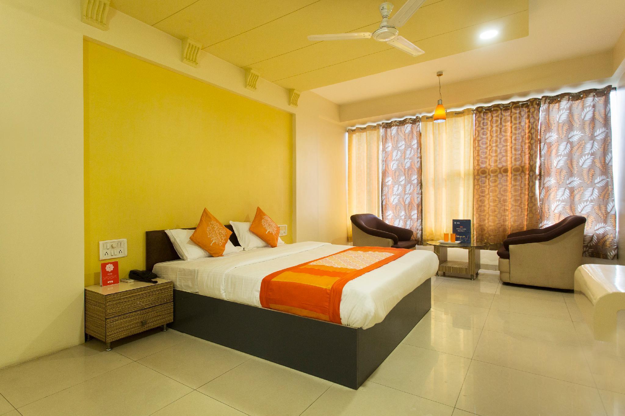 OYO 11091 Hotel Silver Court