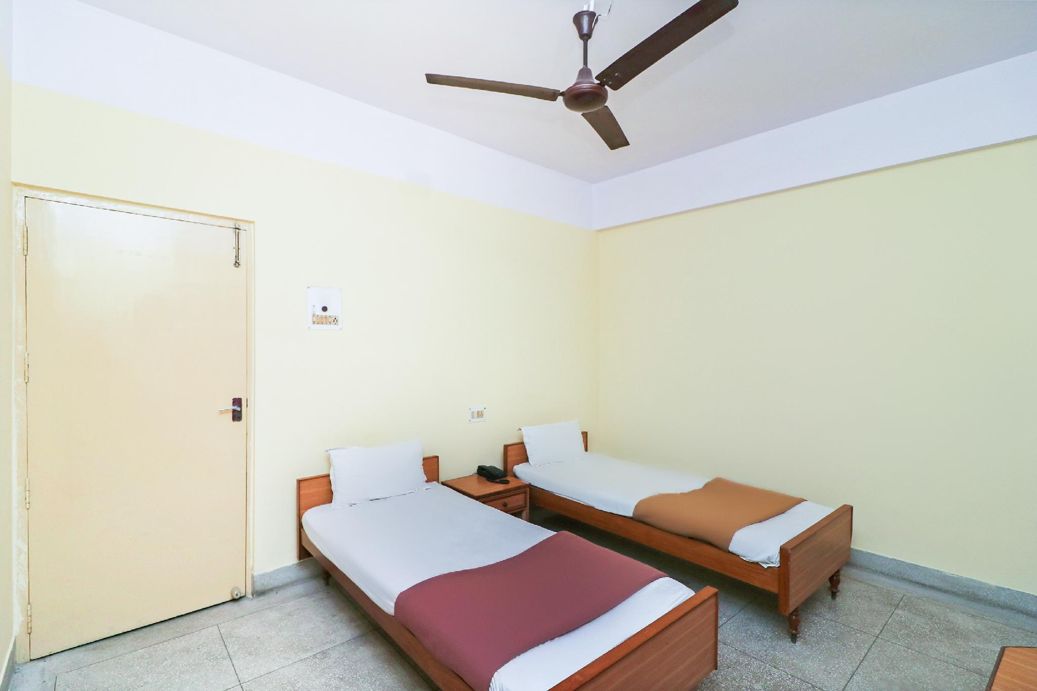 SPOT ON 39531 Hotel Vaibhav