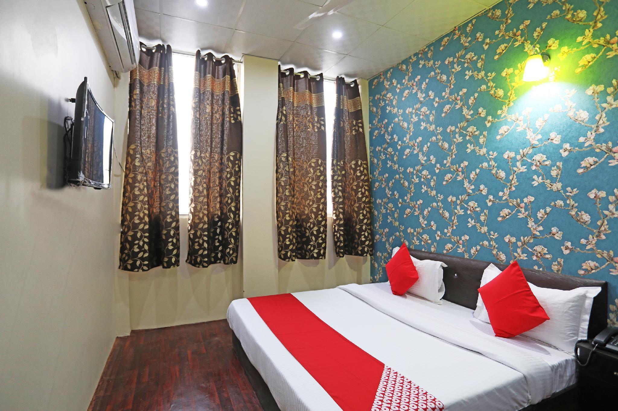 OYO 42070 Hotel Platinum Inn