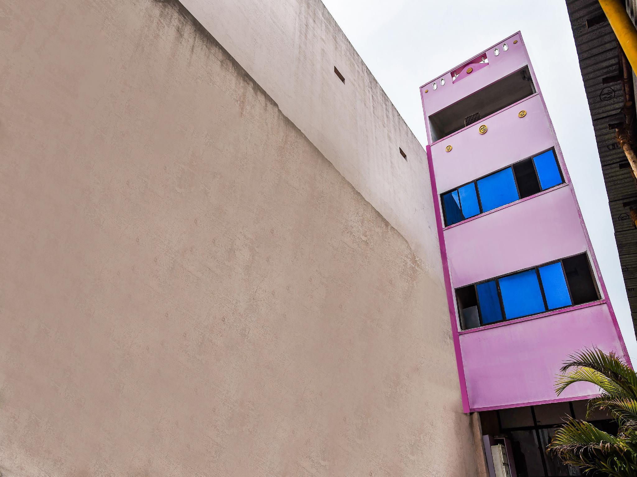 SPOT ON 39775 Sree Devi Residency