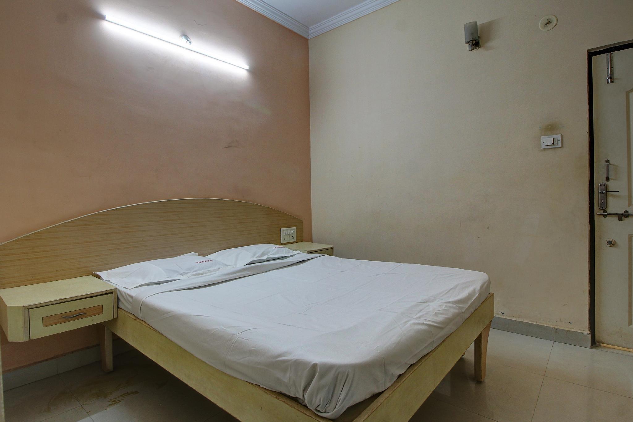 SPOT ON 42093 Hotel Varad International