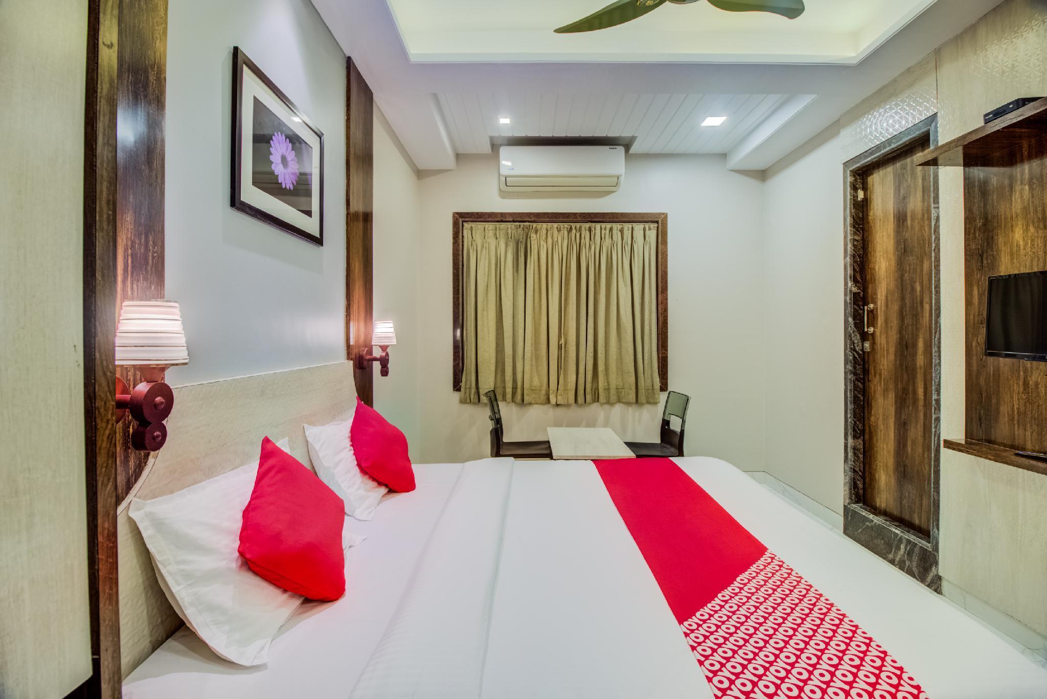 OYO 40315 Hotel Omkar Residency