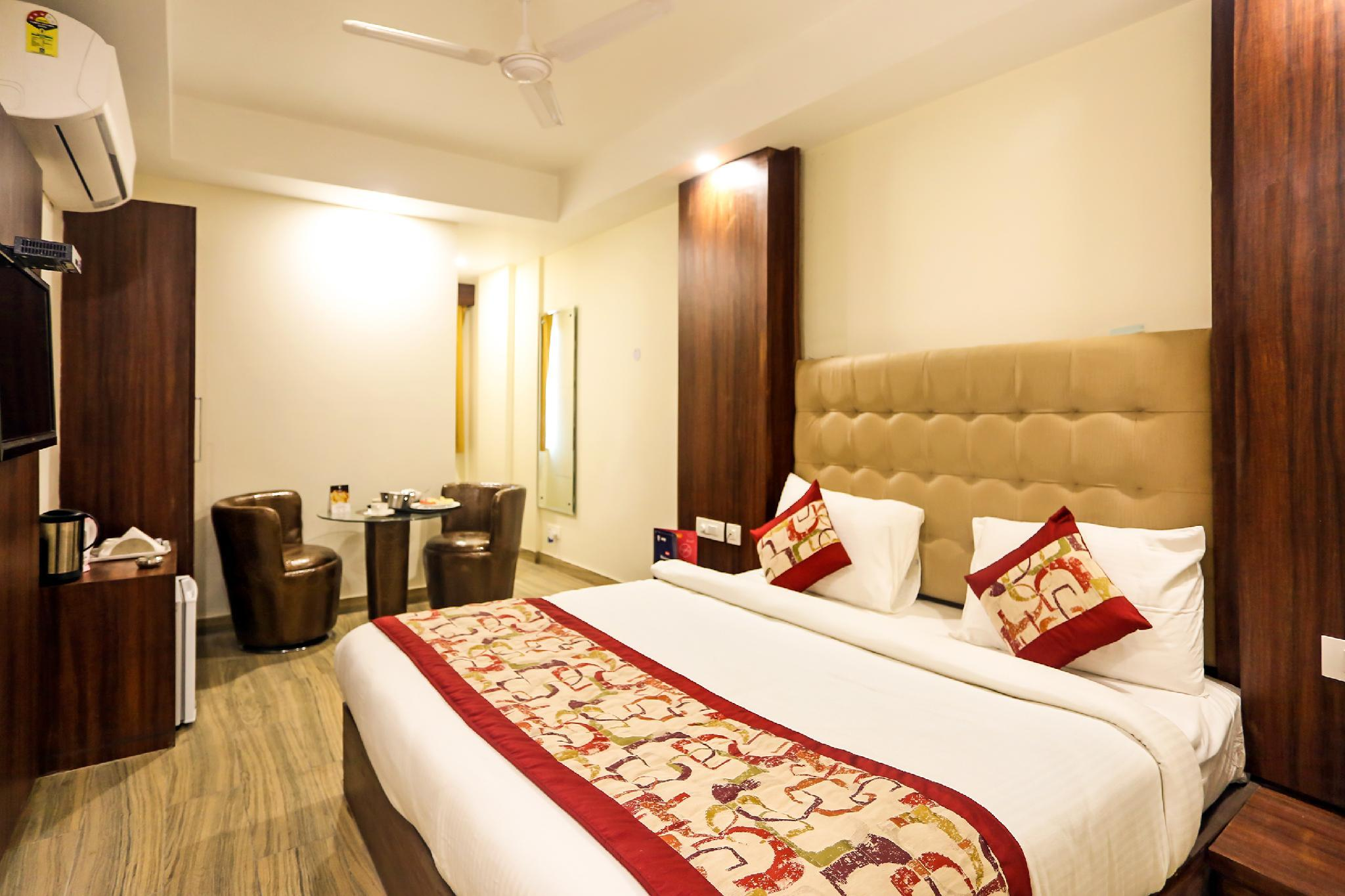 Capital O 8236 The Kailash Dev Hotel