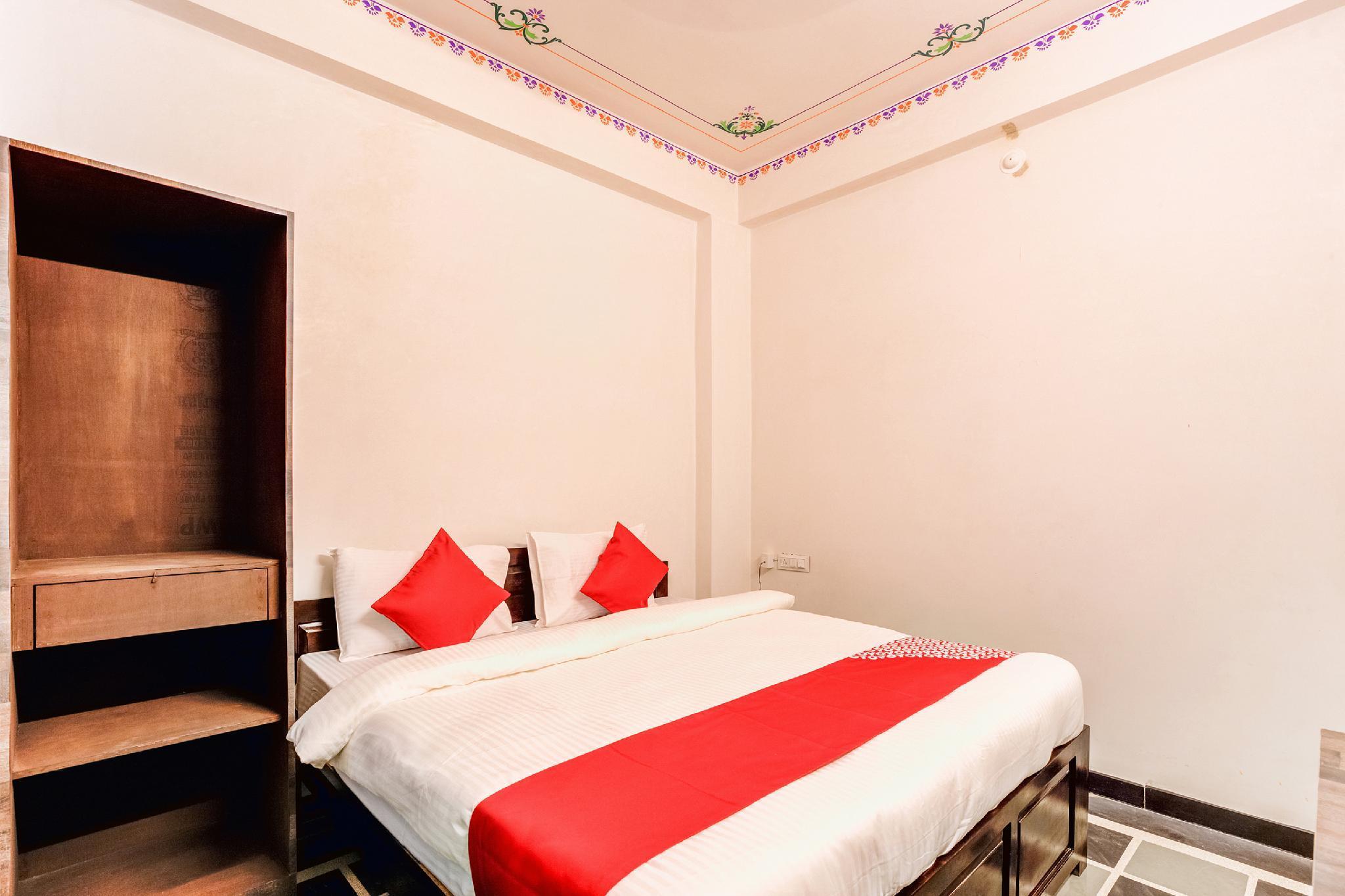 OYO Flagship 40047 Hotel Achrol Haveli Sukher