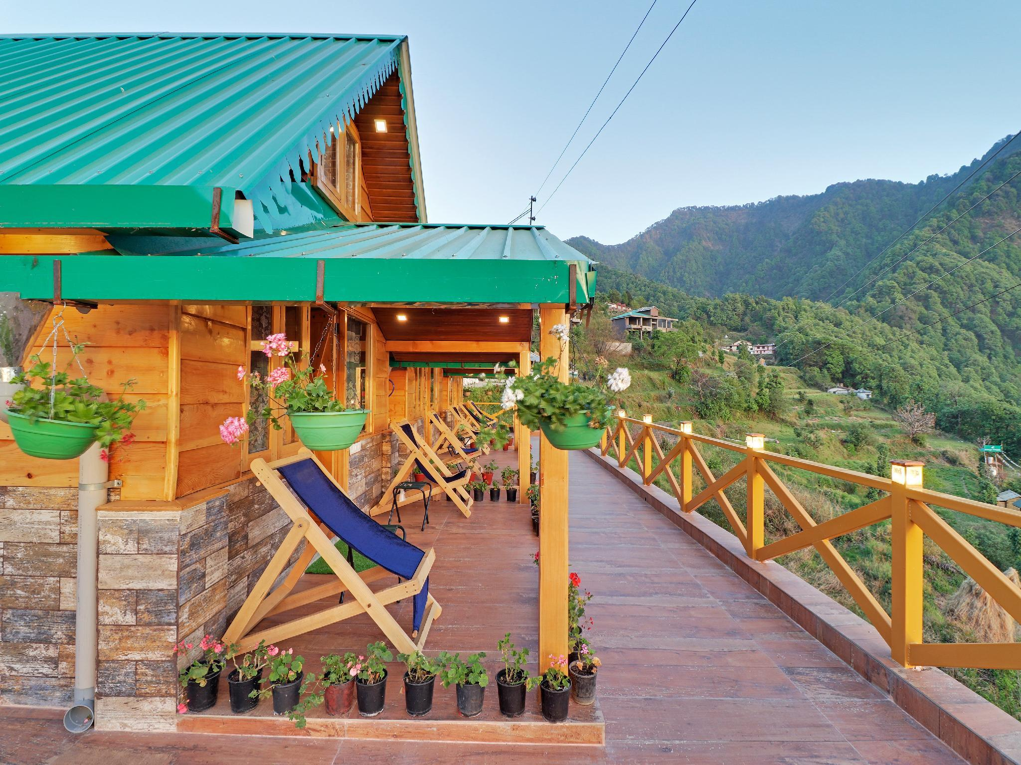 OYO 39997 Premium Wooden Cottage Stay