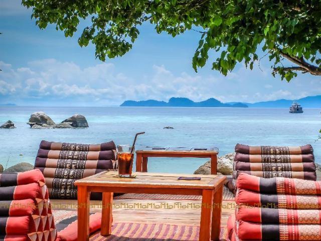 เทนมูน หลีเป๊ะ รีสอร์ท – Ten Moons Lipe Resort