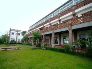 Lu Din Manor