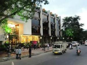 ザ プラバ インターナショナル ホテル (The Prabha International Hotel)