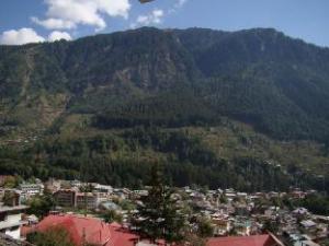 Mountain Trail Manali Hotel