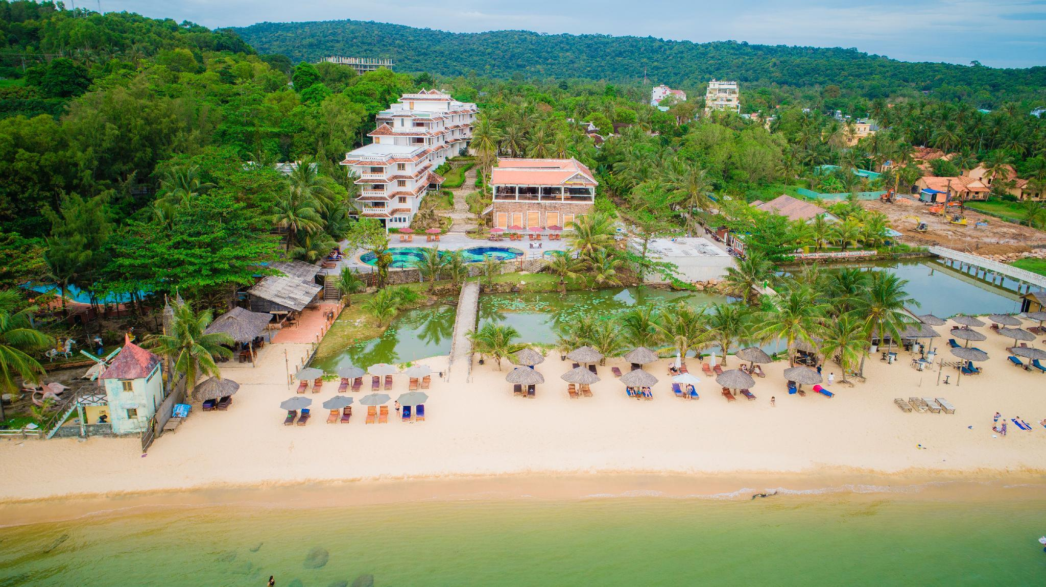 Long Beach Resort   Phu Quoc Island