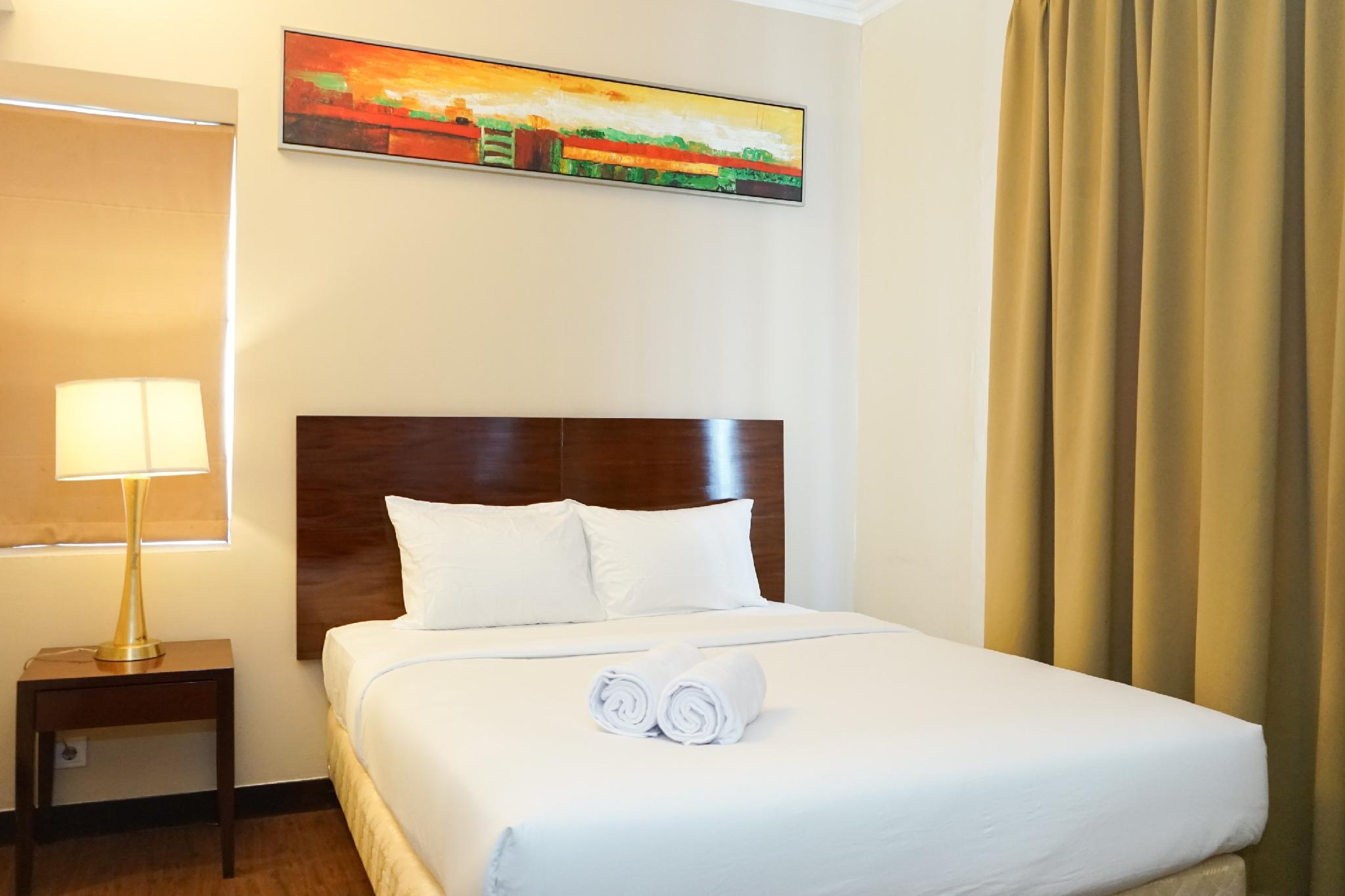 Compact 1BR @ Ancol Marina Apartment By Travelio