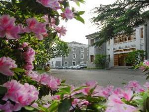 Wuxi Juna Liangxi Hotel