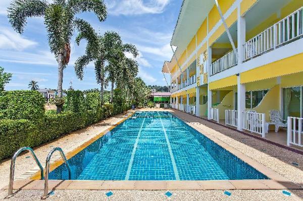 ?The Yellow Moon Resort  20BR Sleeps 40 near Beach Phuket