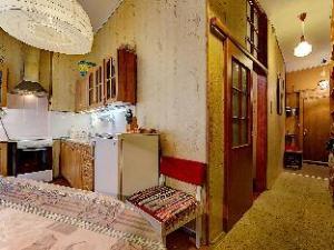 Apartment Longo Na Zhukovskogo 18
