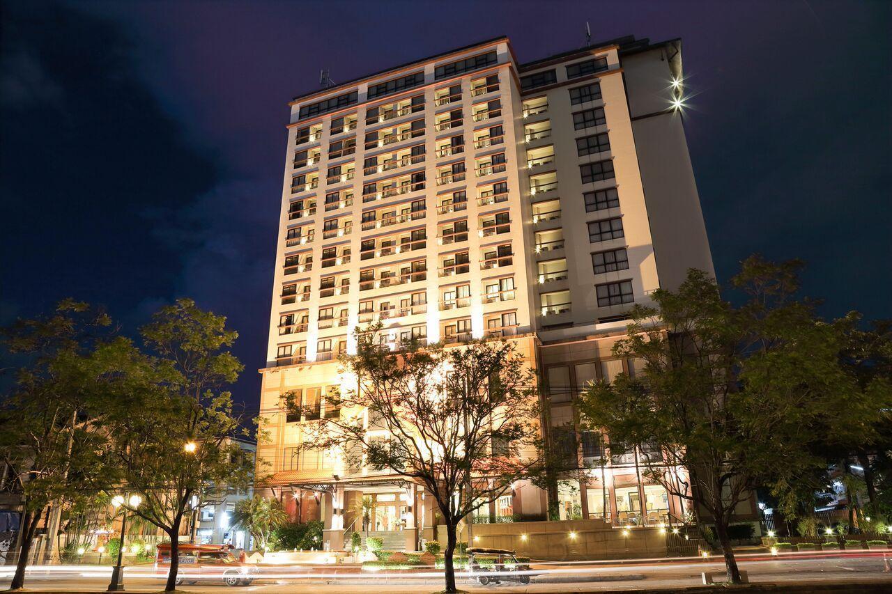 Amora Tapae Hotel โรงแรมอโมรา ท่าแพ