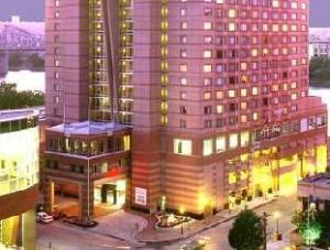Cincinnati Marriott at RiverCenter Hotel