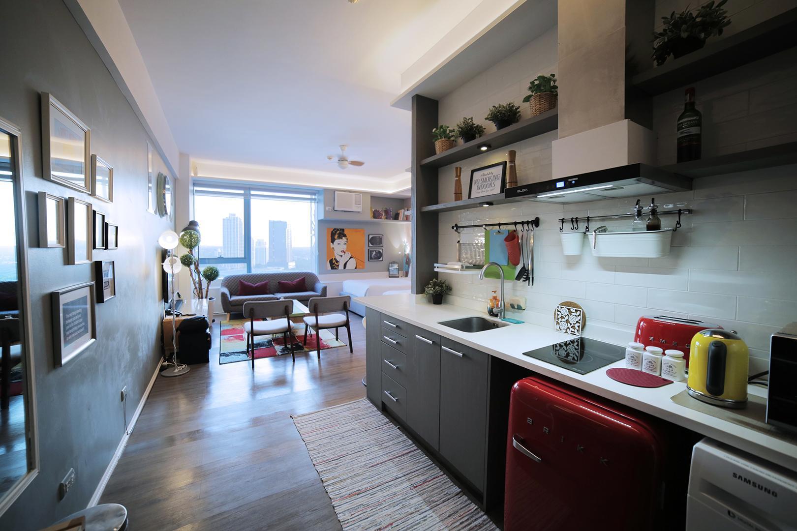 Posh Entrata Condo Suite With Panoramic City View