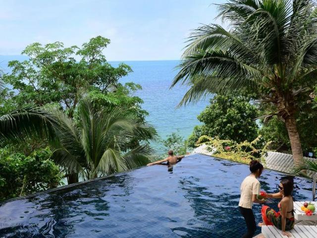 บลูฮิลล์ รีสอร์ท – Blue Hill Resort