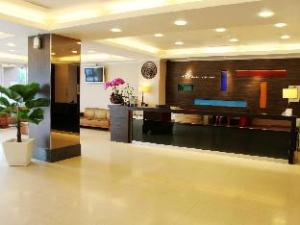 Manbo Holiday Hotel
