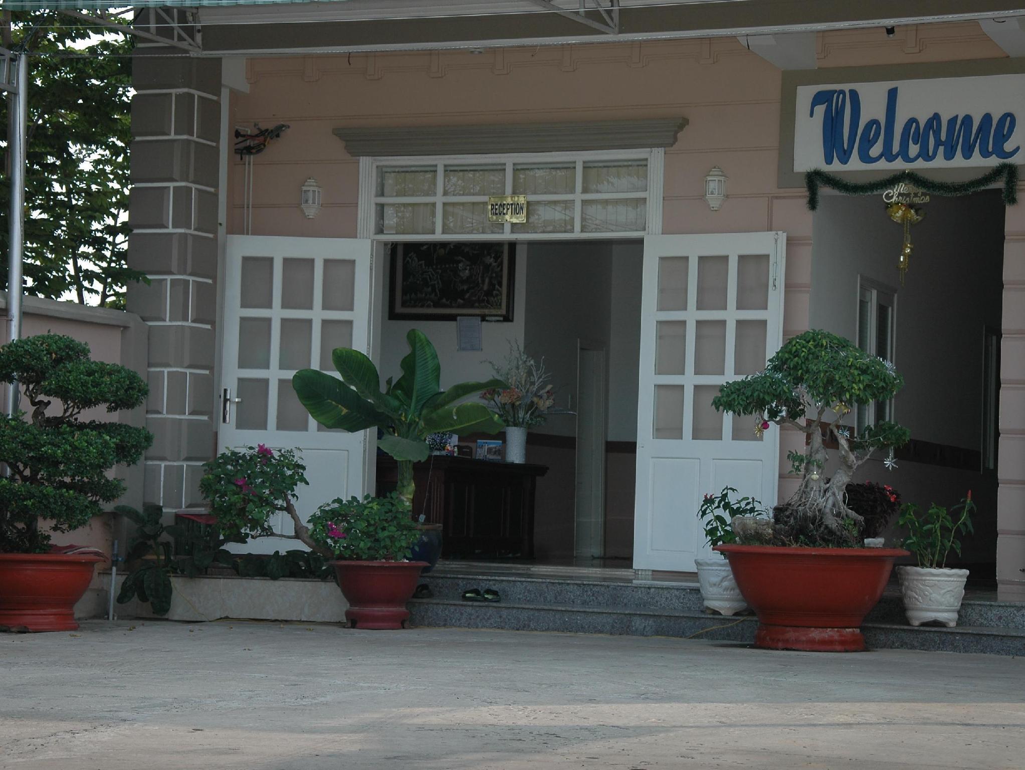 Hoang Chanh Tri Hotel