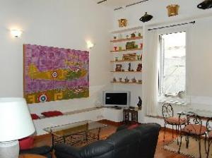 Elegant Trevi Fountain 2 Bedroom Apartment