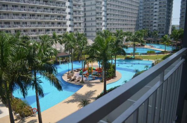 Pool view w/ balcony @shell residence near SM MOA Manila