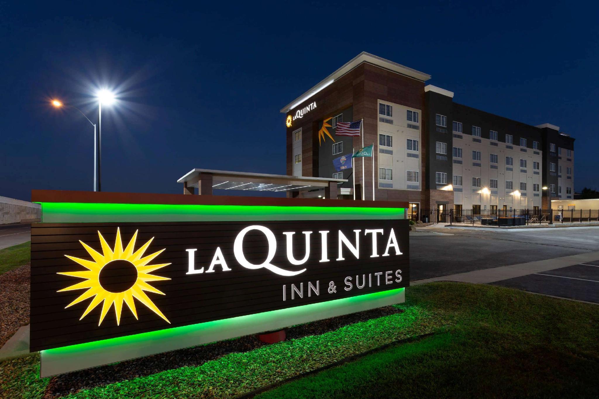 La Quinta Inn And Suites By Wyndham West Memphis