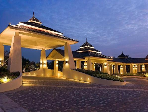 Novotel Chumphon Beach Resort & Golf Chumphon
