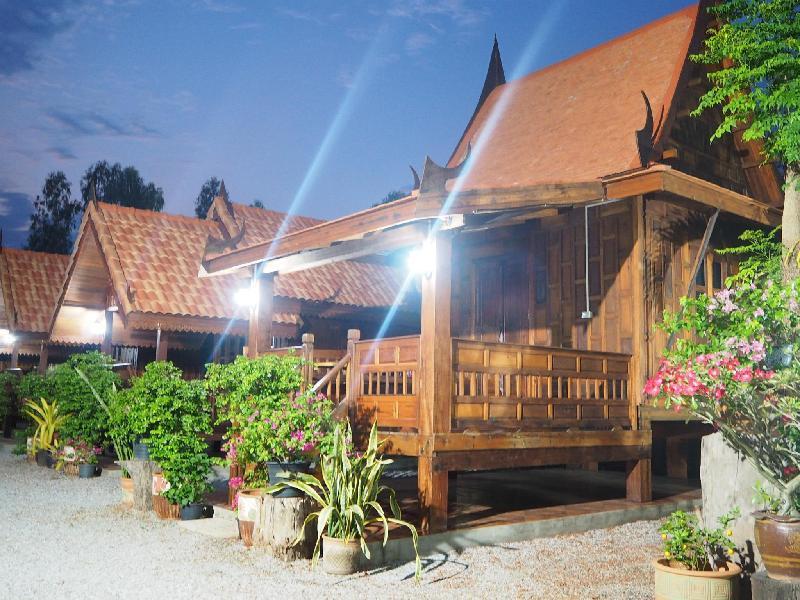 Khum Tewa Sakonnakhon Hotel