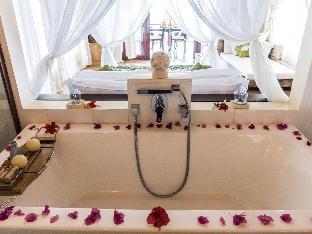 picture 2 of Vellago Resort