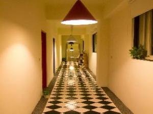 Lane 321 Hostel