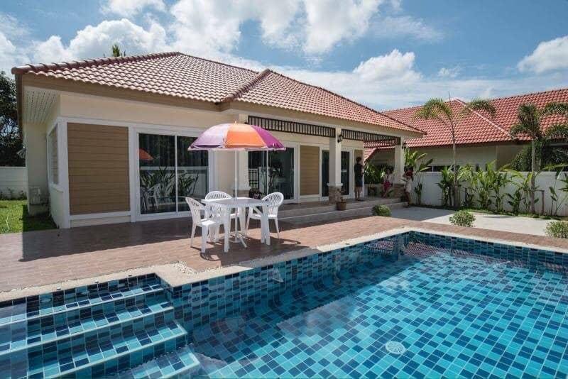 Chic Affordable 3BR Pool Villa L 10 Pax   VVH14