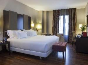 NH Victoria Hotel