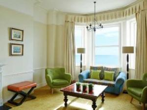 มาริออท เบิร์นเมาธ์ ไฮคลิฟฟ์ โฮเต็ล (Marriott Bournemouth Highcliff Hotel)
