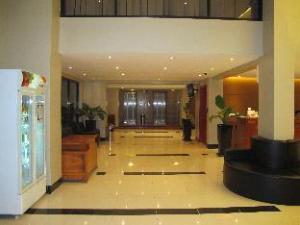 룩스 리버사이드 호텔 앤 아파트먼트  (Lux Riverside Hotel and Apartment)