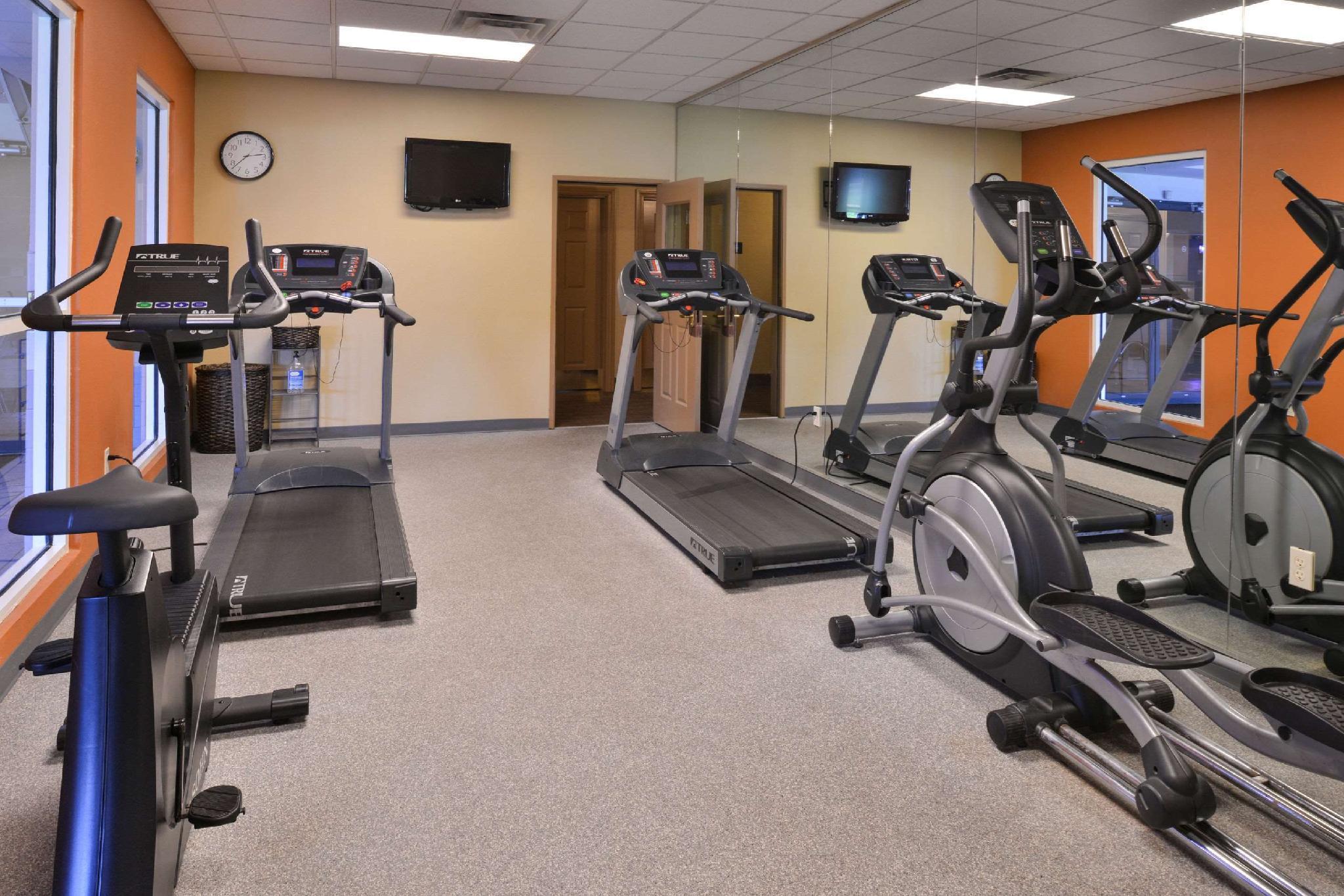 Review Comfort Inn & Suites Fayetteville