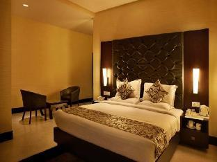 Фото отеля Hotel The Golden Oak Raipur