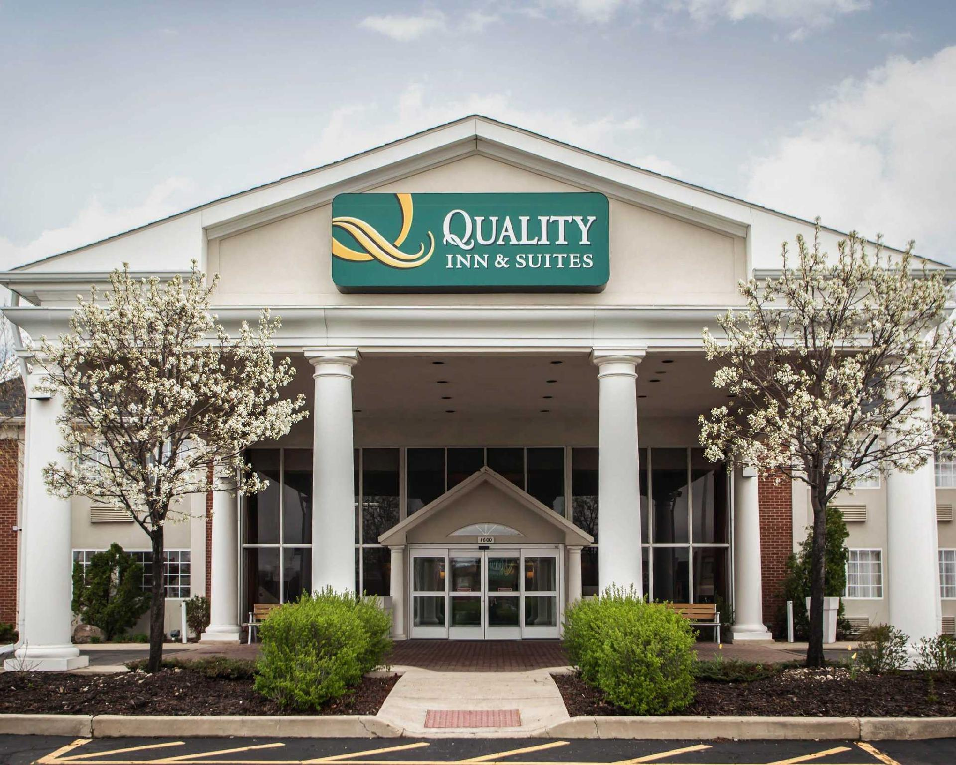Quality Inn And Suites St Charles  West Chicago