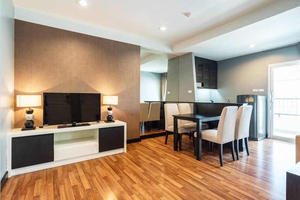 Bed And Breakfast In Thonglor Executive Suite