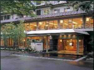โรงแรมชิโมะบิ (Shimobe Hotel)