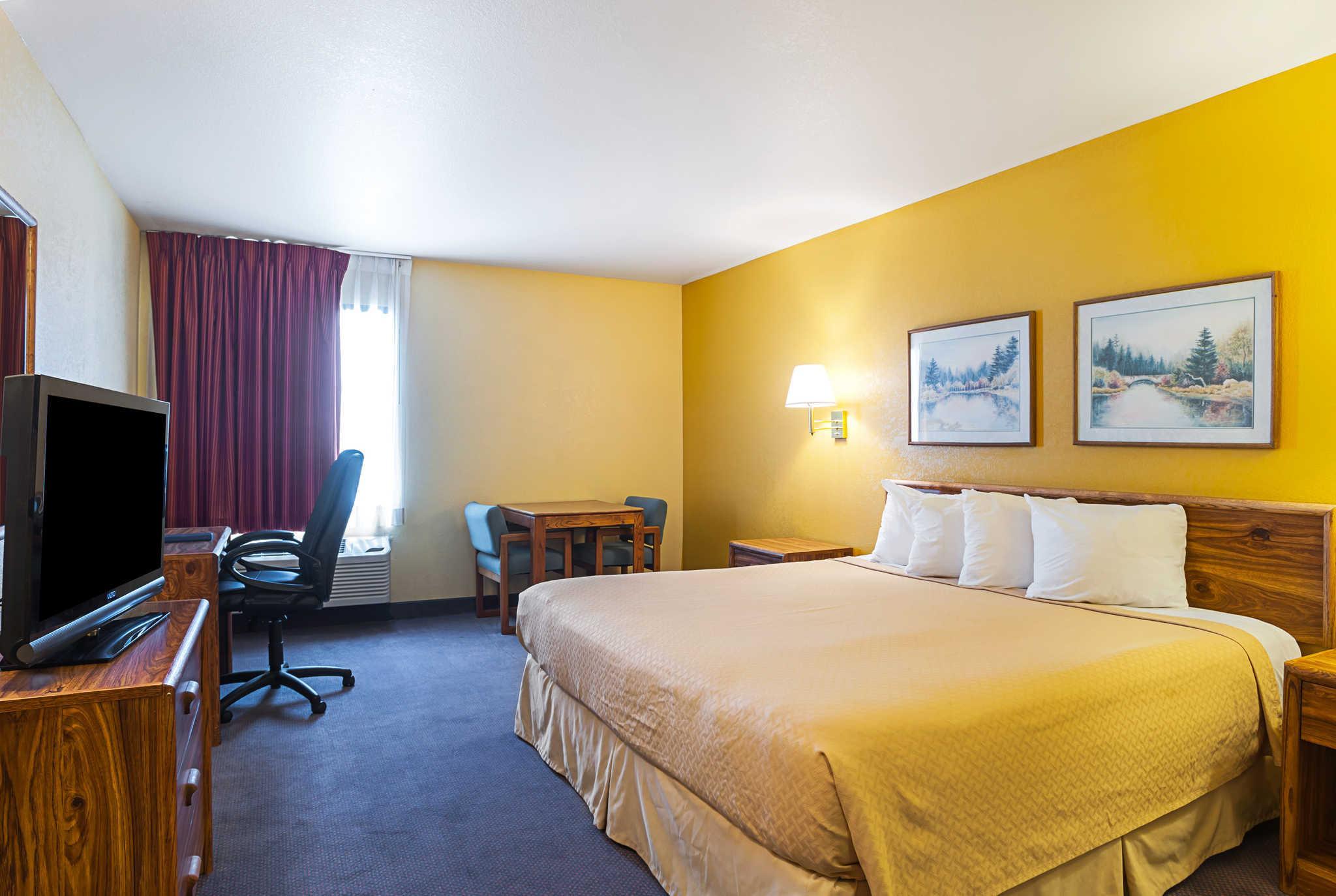 Price Rodeway Inn & Suites Blanding