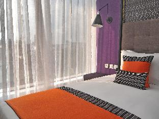 picture 5 of Hive Hotel