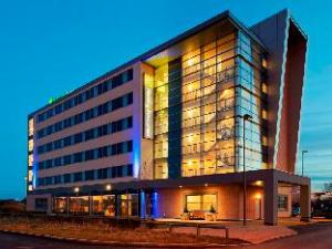 Holiday Inn Express Liverpool John Lennon Airport