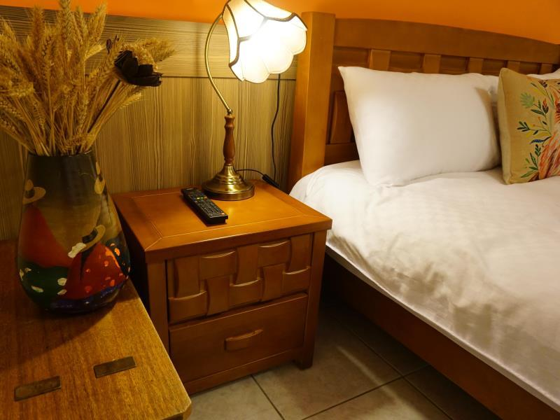 Snail Trail Hotel