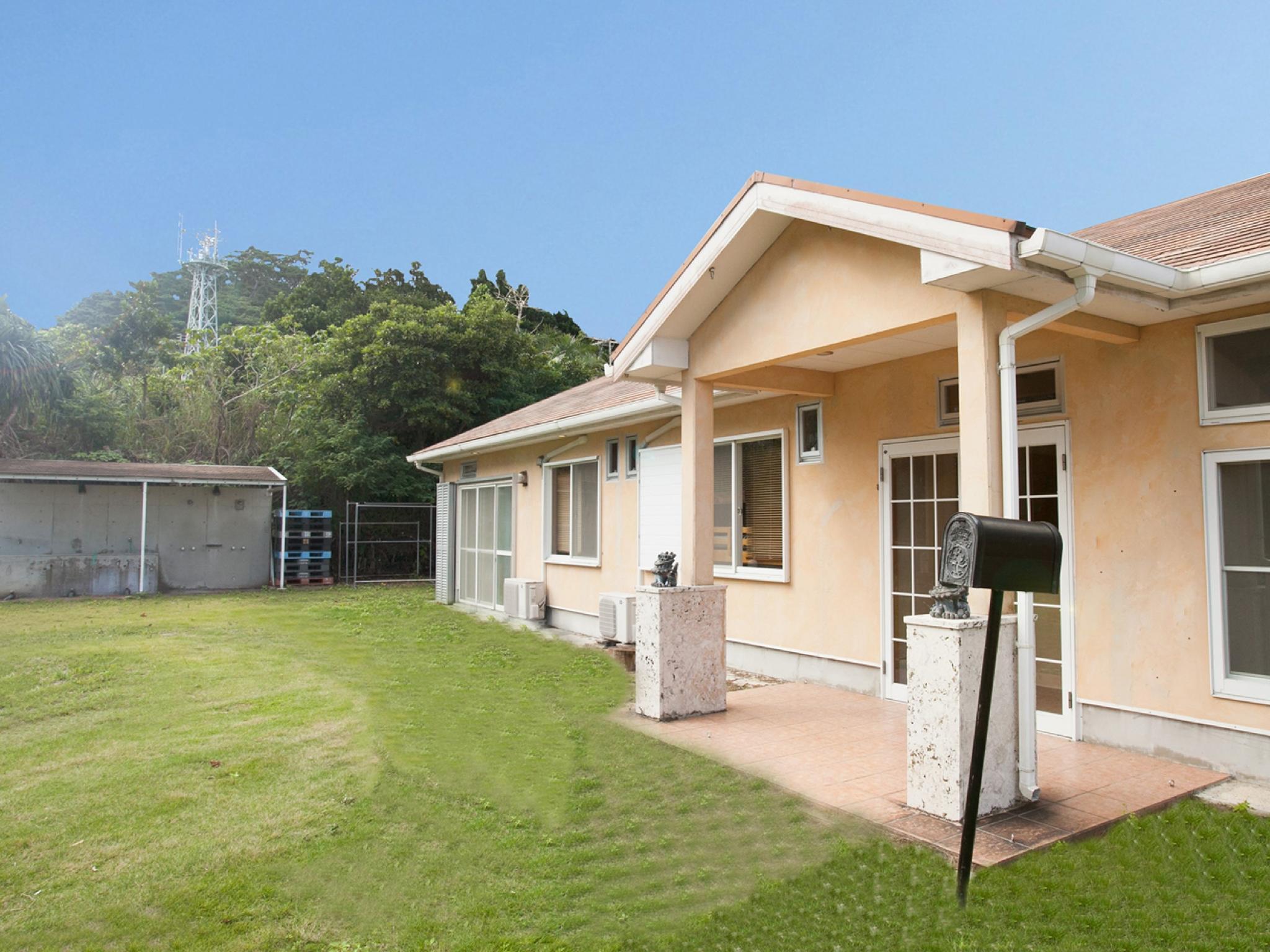 Ishigakijima Sunflower House