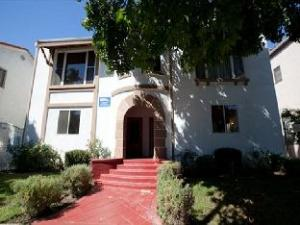 Vintage Two Bedroom LA Vacation Rentals Unit 7