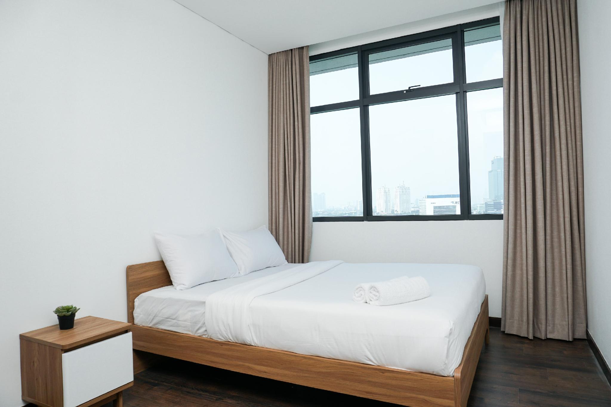 Spacious 3BR Apartment Veranda @ Puri By Travelio