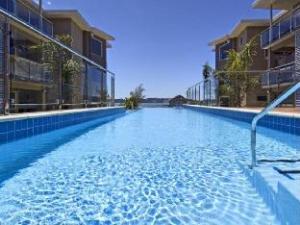 Про Edgewater Palms Apartments (Edgewater Palms Hotel)